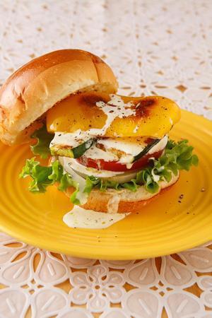 夏野菜バーガー