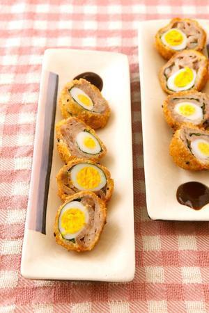 うずら卵の豚肉巻き揚げ