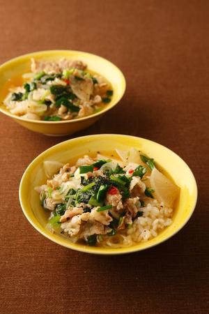 豚肉と青菜の韓国風スープご飯