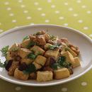豆腐と鶏肉のコロコロ炒め