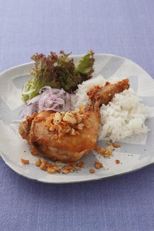 鶏骨つき肉のジューシーから揚げ