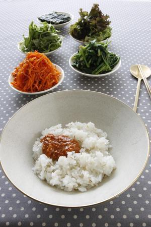 麦ご飯のビビンバ