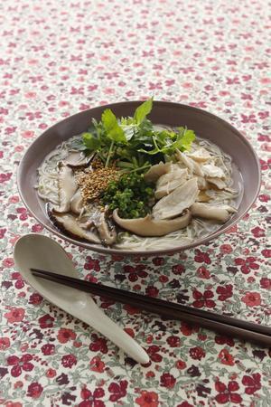 干ししいたけと鶏肉の温麺