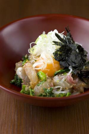 白身魚と菜の花の和ユッケ 塩麹仕立て