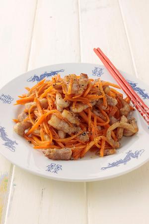 にんじんと豚肉の中華炒め