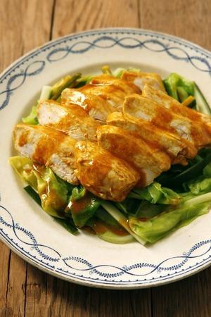 ゆで鶏とキャベツのカレーマリネ
