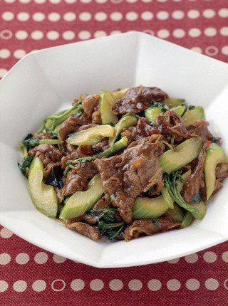 牛肉と香味野菜の中華炒め