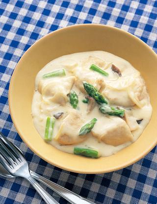 チキンとアスパラのクリーム煮