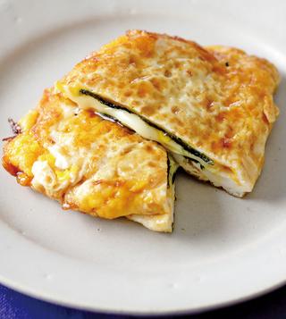 のりとチーズの半月焼き