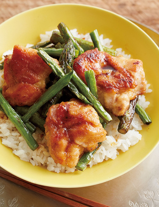 鶏肉とアスパラのから揚げ丼