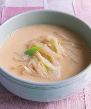 もやしの豆乳スープ