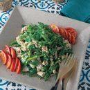 香菜と蒸し鶏のサラダ