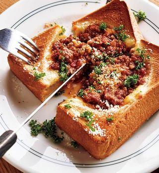 チーズミートトースト