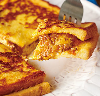 とろーりチーズのキーマフレンチトースト
