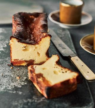 アプリコットの真っ黒チーズケーキ(バスク風チーズケーキ)
