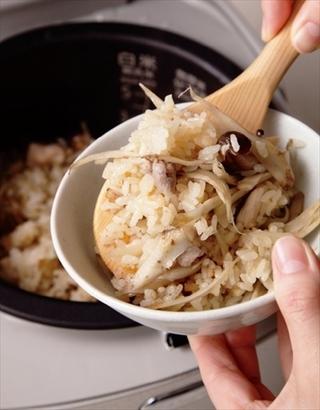 鶏とごぼうの炊き込みご飯