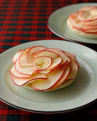 りんごのフラワートースト