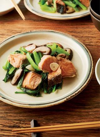 鮭と小松菜のバター炒め