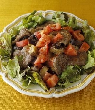 グリル野菜と牛肉のボリュームサラダ