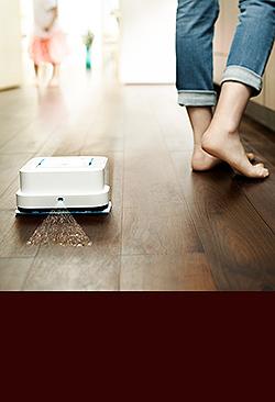 編集部員が試して実感! 最新床拭きロボットってホント快適